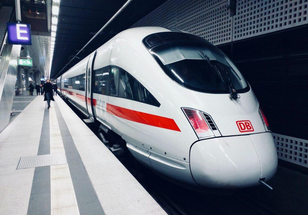 erasmus green travel with train